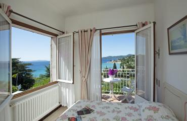 Room Sea view with terrace or balcony